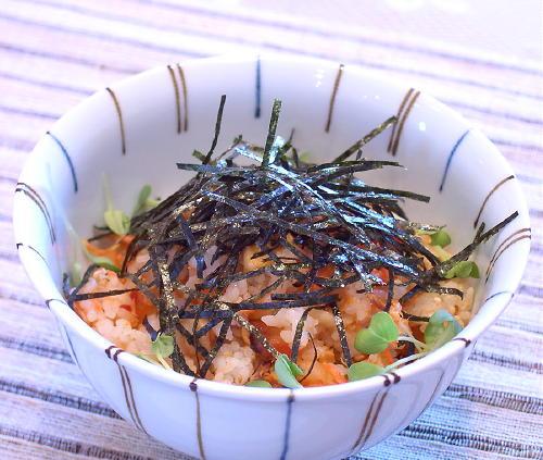 鮭と割干しキムチの混ぜご飯レシピ