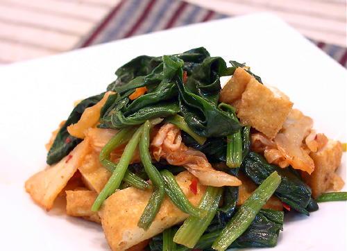 ほうれん草と厚揚げのキムチ炒めレシピ