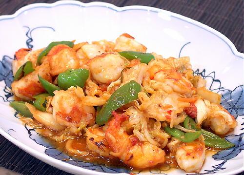 えびとピーマンの白菜キムチ炒めレシピ