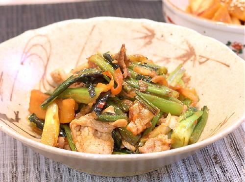 小松菜と豚肉のキムチ炒めレシピ