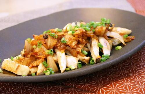 今日のキムチ料理レシピ:焼き油揚げとエリンギの甘辛キムチだれ