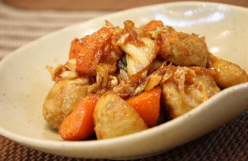 今日のキムチ料理レシピ:揚げ里芋の甘辛キムチ炒め