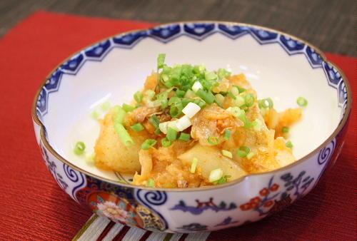 今日のキムチ料理レシピ:揚げもちのキムチおろし和え
