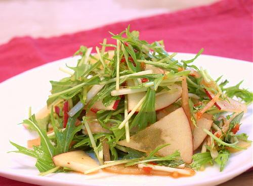りんごと水菜のキムチサラダレシピ