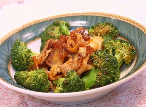 豚肉とブロッコリーのキムチ炒めレシピ