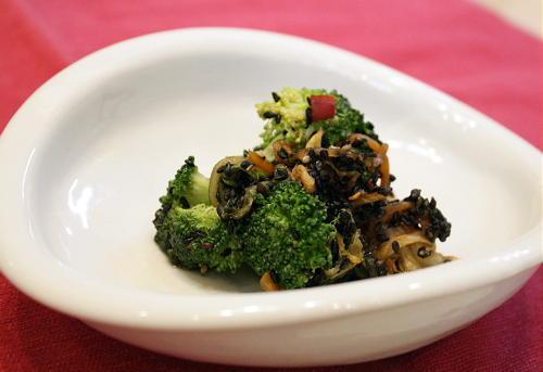 ブロッコリーとキムチのごま和えレシピ