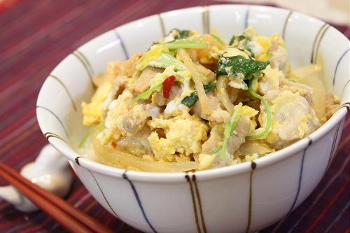 今日のキムチ料理レシピ:豚キムチ卵丼