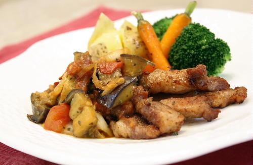 今日のキムチ料理レシピ:豚肉のなすキムチソースがけ