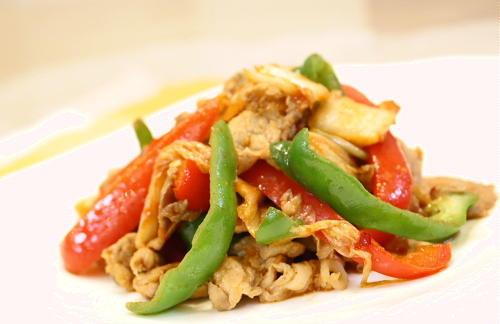 パプリカと豚肉のキムチ炒めレシピ