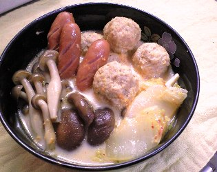 チキンボールとキムチのミルク鍋レシピ