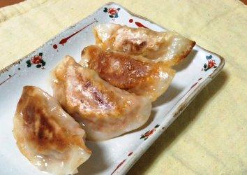 今日のキムチ料理レシピ:ご飯入りボリュームキムチ餃子