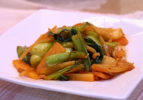 青梗菜とにんじんのキムチ炒めレシピ