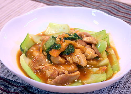 鶏肉とチンゲン菜とキムチの中華炒めレシピ