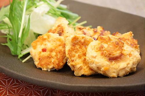 今日のキムチ料理レシピ:クリームチーズ入りキムチつくね