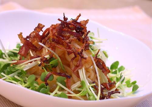 大根とベーコンのキムチドレッシングがけサラダレシピ