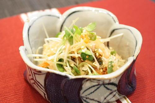 今日のキムチ料理レシピ:大根とキムチのさっぱりサラダ