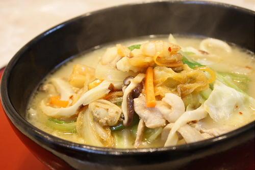 今日のキムチ料理レシピ:五目キムチラーメン