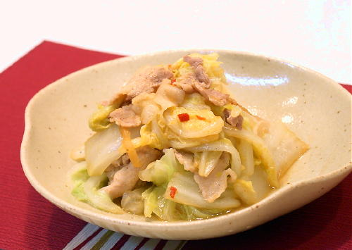 白菜と豚肉の炒め蒸しレシピ