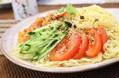 今日のキムチ料理レシピ:冷やし中華に金ごま唐辛子