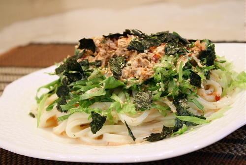 今日のキムチ料理レシピ:ピリ辛サラダうどん