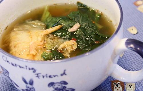 今日のキムチ料理レシピ:ほうれん草とキムチのスープ