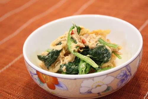 今日のキムチ料理レシピ:ほうれん草とツナのキムチ和え