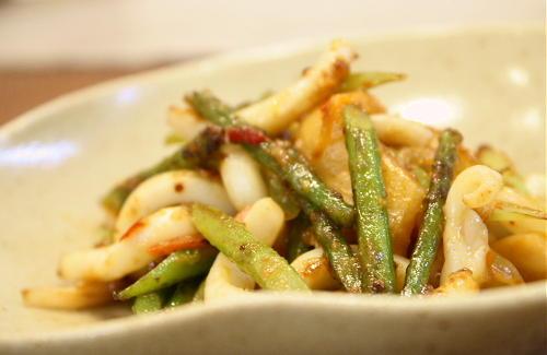 ニンニクの芽といかのキムチ炒めレシピ