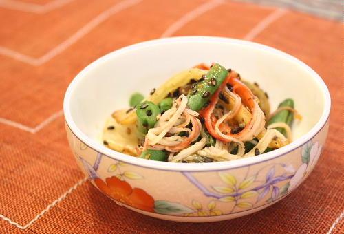 今日のキムチ料理レシピ:インゲンとキムチのごまあえ