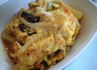 キムチとじゃがいもの卵とじレシピ