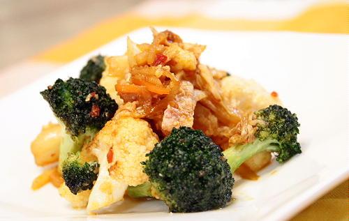 ブロッコリーとカリフラワーとキムチの甘酢炒めレシピ