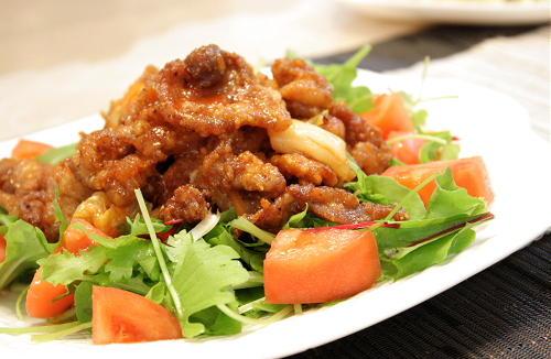 カリカリ豚肉のキムチサラダレシピ