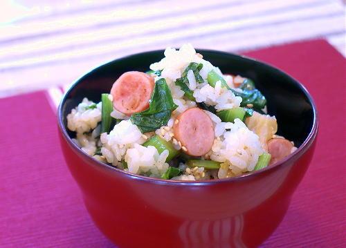 小松菜とウインナーとキムチの混ぜご飯レシピ