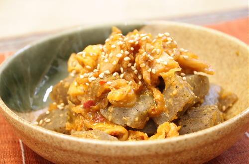 今日のキムチ料理レシピ:こんにゃくとキムチのごま味噌炒め