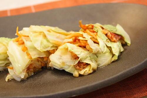今日のキムチ料理レシピ:キムチとキャベツの挟み蒸し