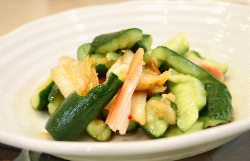 今日のキムチ料理レシピ:きゅうりとキムチのマリネ