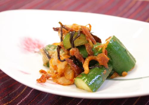 今日のキムチ料理レシピ:キュウリのピリ辛和え