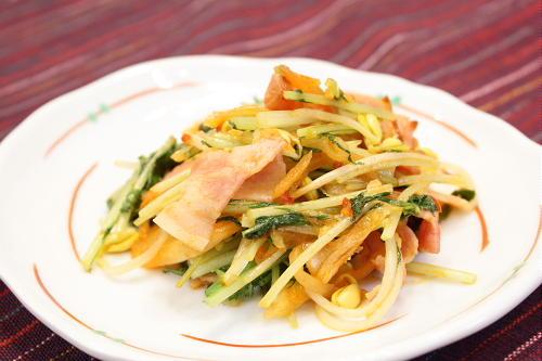 今日のキムチ料理レシピ:豆もやしとキムチのさっと炒め