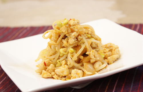 今日のキムチ料理レシピ:豆もやしとキムチのマヨネーズ炒め