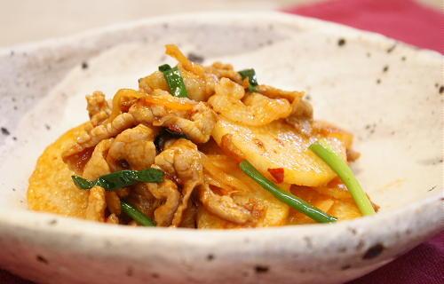今日のキムチ料理レシピ:長いもとキムチのケチャップ炒め