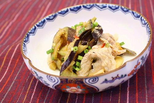 今日のキムチ料理レシピ:なすと豚肉のキムチごま和え