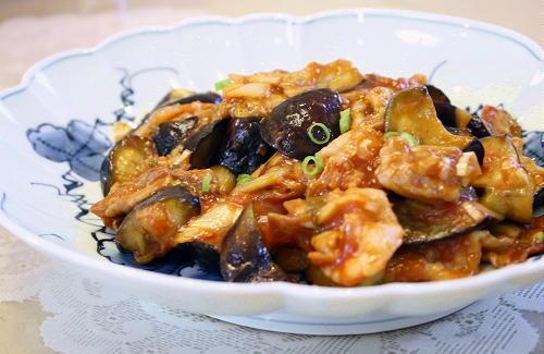 今日のキムチ料理レシピ:茄子とキムチのケチャップ炒め