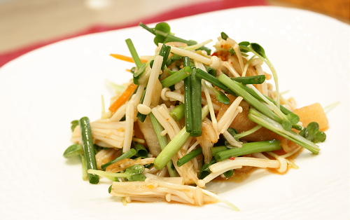 今日のキムチ料理レシピ:青野菜とキムチのサラダ