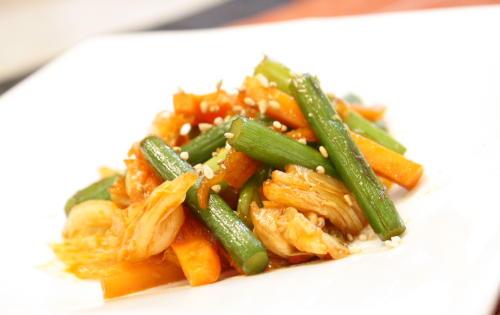 今日のキムチ料理レシピ:ニンニクの芽とキムチのオイスターソース炒め