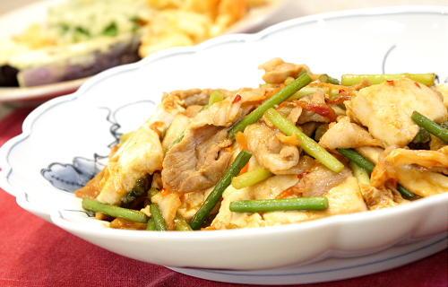 豆腐とニンニクの芽のキムチ味噌炒めレシピ