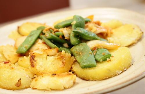 今日のキムチ料理レシピ:ジャガイモとキムチの青じそ和え