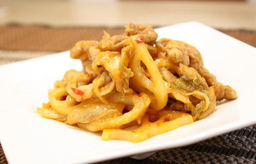 今日のキムチ料理レシピ:レンコンとキムチの味噌炒め