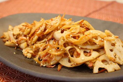 今日のキムチ料理レシピ:レンコンとキムチの小エビ炒め