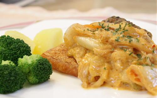 鮭のムニエル キムチクリームソースがけレシピ