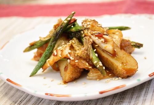 今日のキムチ料理レシピ:さつま揚げとキムチのきんぴら