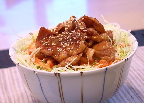 キムチ生姜焼き丼
